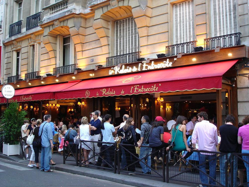 1280px-Le_Relais_de_l'Entrecote_(St_Germain_Paris_VIe)_2009-06-13.jpg