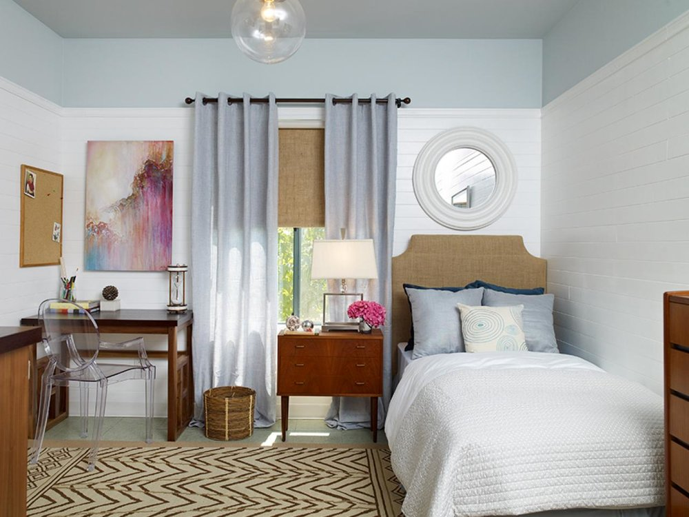 DP_Erica-Islas-blue-beige-contemporary-bedroom-1_s4x3.jpg.rend.hgtvcom.1280.960.jpg