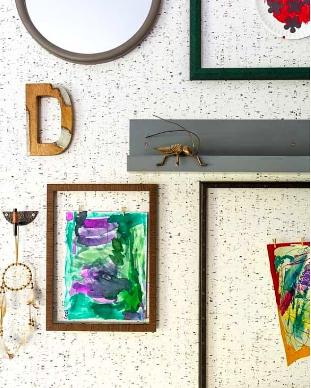 There's truly nothing like an eclectic gallery wall! We loved designing this little boy's bedroom and featuring his artwork in an interesting way! . . . . . 📸: @reagentaylor #crimsondesign #crimsondesigngroup #behindthescenes #designlife #interiors #interiordesign #designer #interiordesigner #ohiodesigner #midwestliving #luxeliving #elledecor #myoklstyle #howwedwell #sodomino #homedesign #residentialdesign #apartmentliving #apartmenttherapy #multifamily #multifamilyhousing #awardwinningdesign #childrensroom #bedroomdecor #gallerywall #newbuild #remodel #design #bedroomdesign