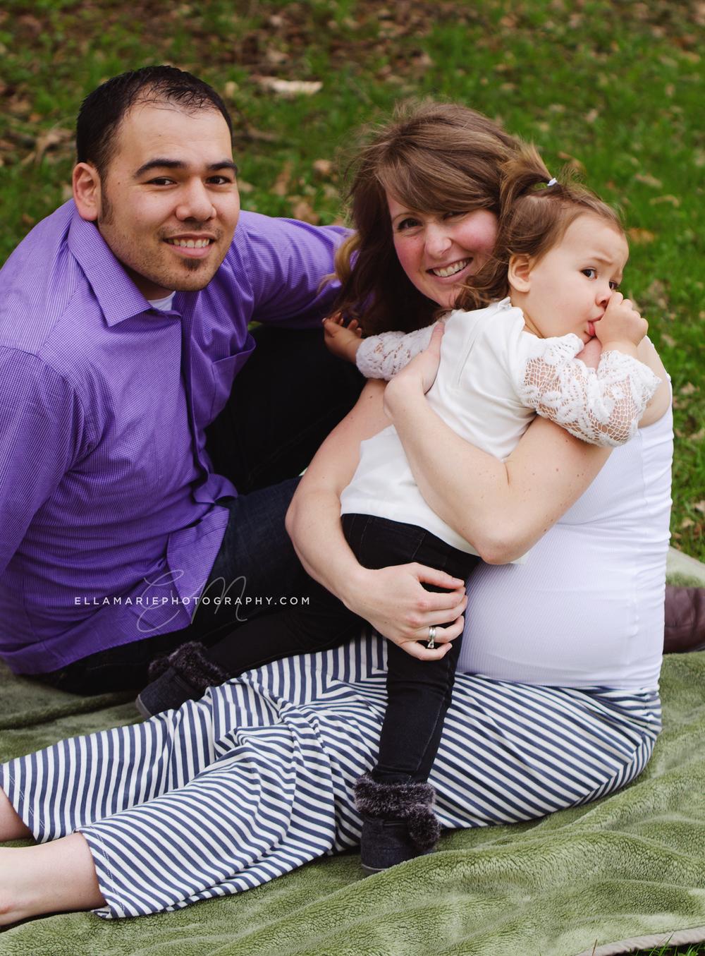 EllaMariePhotography_maternity_baby_infant_Baden_ON_New_Hamburg_Stratford_Waterloo_Kitchener_Guelph_Cambridge_Listowel_photographer_photography_12.jpg