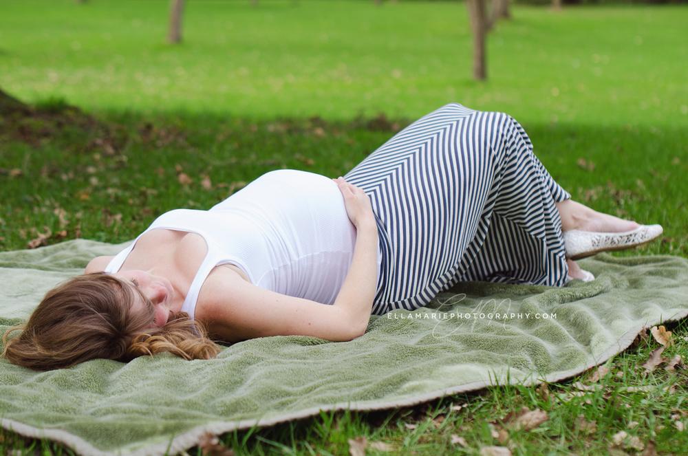 EllaMariePhotography_maternity_baby_infant_Baden_ON_New_Hamburg_Stratford_Waterloo_Kitchener_Guelph_Cambridge_Listowel_photographer_photography_32.jpg