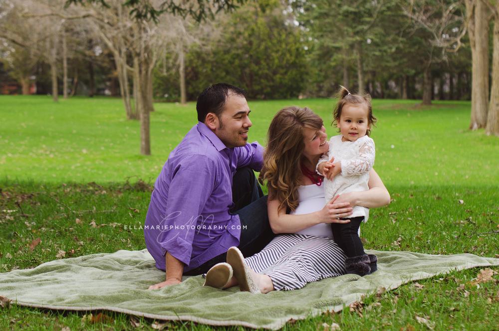 EllaMariePhotography_maternity_baby_infant_Baden_ON_New_Hamburg_Stratford_Waterloo_Kitchener_Guelph_Cambridge_Listowel_photographer_photography_38.jpg