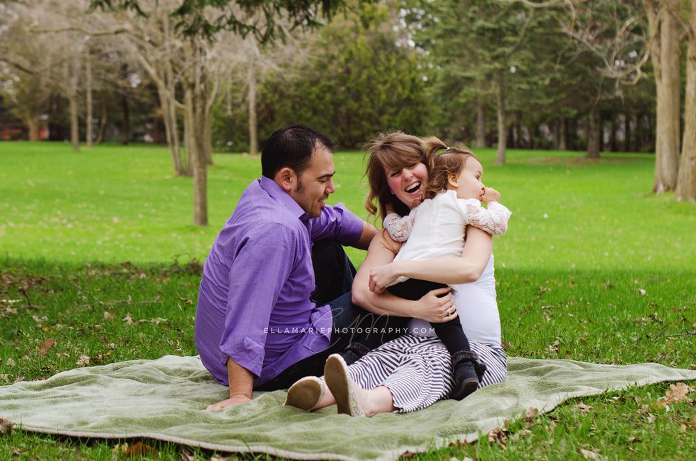 EllaMariePhotography_maternity_baby_infant_Baden_ON_New_Hamburg_Stratford_Waterloo_Kitchener_Guelph_Cambridge_Listowel_photographer_photography_13.jpg
