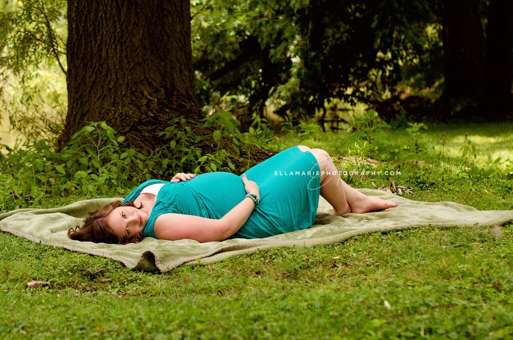 EllaMariePhotography_Missy_maternity_newborn_baby_infant_Baden_ON_New_Hamburg_Stratford_Waterloo_Kitchener_Guelph_Cambridge_Listowel_photographer_photography_03.jpg