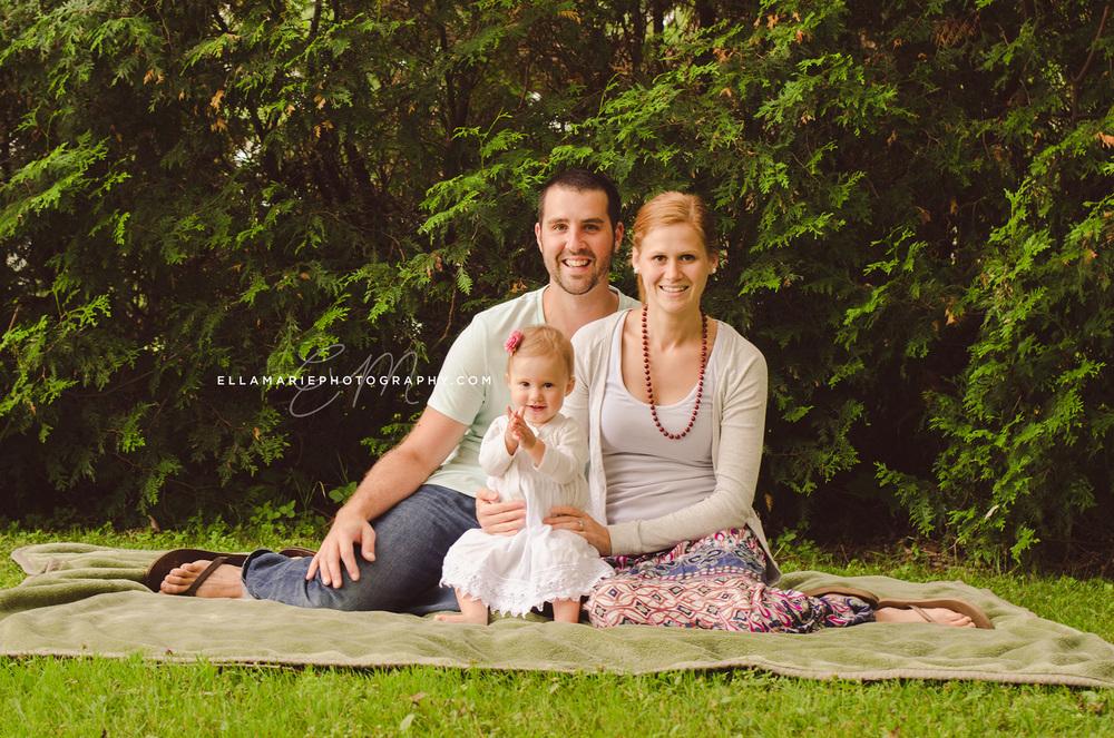 EllaMariePhotography_family_Baden_ON_New_Hamburg_Stratford_Waterloo_Kitchener_Guelph_Cambridge_Listowel_photographer_photography_17.jpg