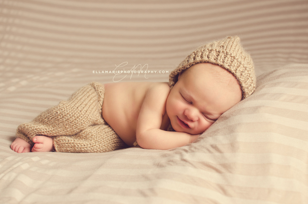 EllaMariePhotography_newborn_maternity_baby_infant_Baden_ON_New_Hamburg_Stratford_Waterloo_Kitchener_Guelph_Cambridge_Listowel_photographer_photography_06.jpg