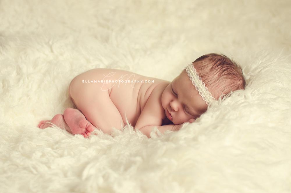EllaMariePhotography_newborn_maternity_baby_infant_Baden_ON_New_Hamburg_Stratford_Waterloo_Kitchener_Guelph_Cambridge_Listowel_photographer_photography_01.jpg