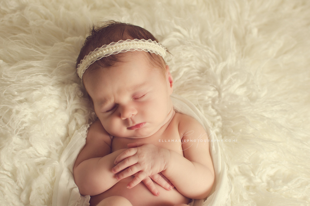 EllaMariePhotography_newborn_maternity_baby_infant_Baden_ON_New_Hamburg_Stratford_Waterloo_Kitchener_Guelph_Cambridge_Listowel_photographer_photography_02.jpg