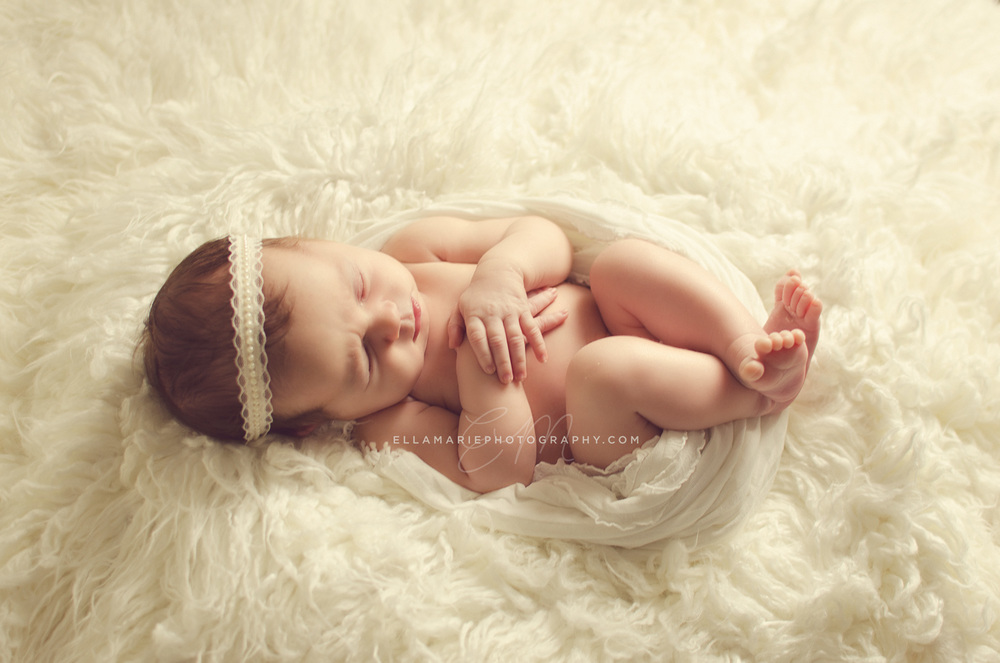 EllaMariePhotography_newborn_maternity_baby_infant_Baden_ON_New_Hamburg_Stratford_Waterloo_Kitchener_Guelph_Cambridge_Listowel_photographer_photography_18.jpg