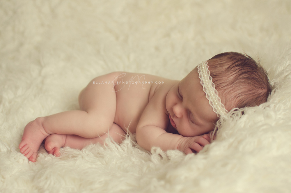EllaMariePhotography_newborn_maternity_baby_infant_Baden_ON_New_Hamburg_Stratford_Waterloo_Kitchener_Guelph_Cambridge_Listowel_photographer_photography_19.jpg