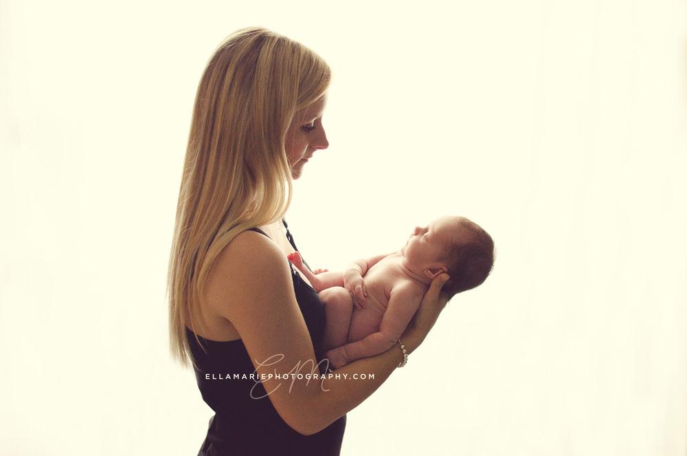 EllaMariePhotography_newborn_maternity_baby_infant_Baden_ON_New_Hamburg_Stratford_Waterloo_Kitchener_Guelph_Cambridge_Listowel_photographer_photography_25.jpg