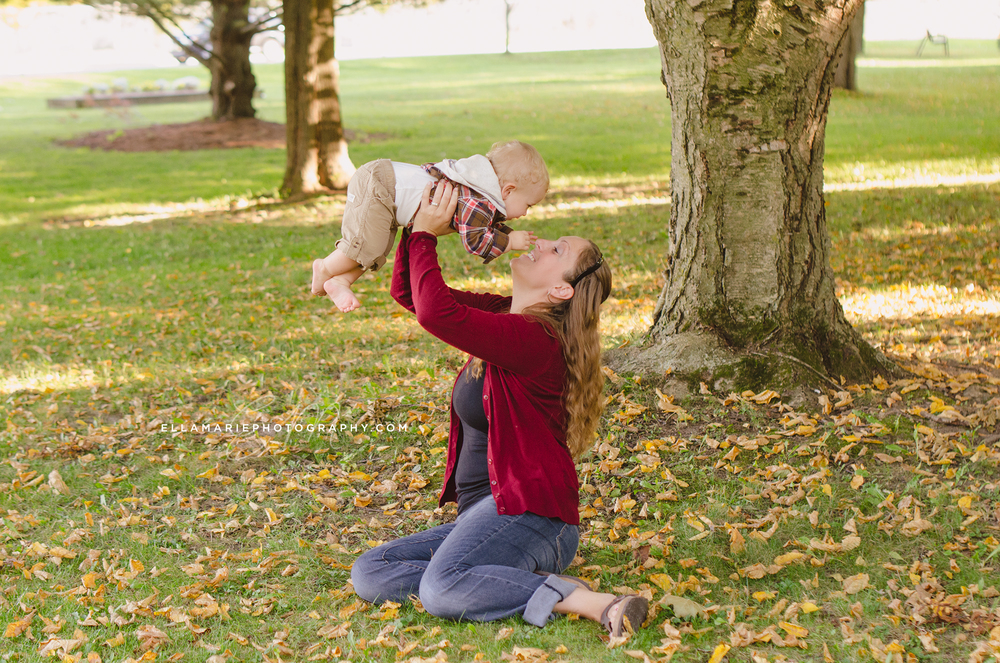 EllaMariePhotography_family_Baden_ON_New_Hamburg_Stratford_Waterloo_Kitchener_Guelph_Cambridge_Listowel_photographer_photography_01.jpg