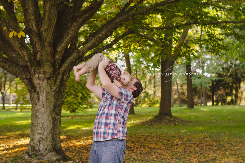 EllaMariePhotography_family_Baden_ON_New_Hamburg_Stratford_Waterloo_Kitchener_Guelph_Cambridge_Listowel_photographer_photography_08.jpg