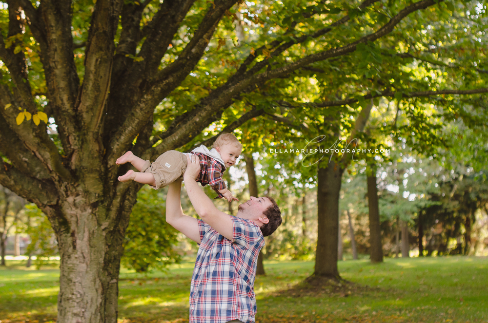 EllaMariePhotography_family_Baden_ON_New_Hamburg_Stratford_Waterloo_Kitchener_Guelph_Cambridge_Listowel_photographer_photography_09.jpg