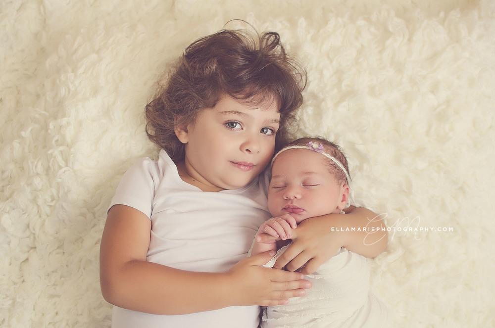 Nora_EllaMariePhotography_newborn_maternity_baby_infant_Baden_ON_New_Hamburg_Stratford_Waterloo_Kitchener_Guelph_Cambridge_Listowel_photographer_photography_01.jpg