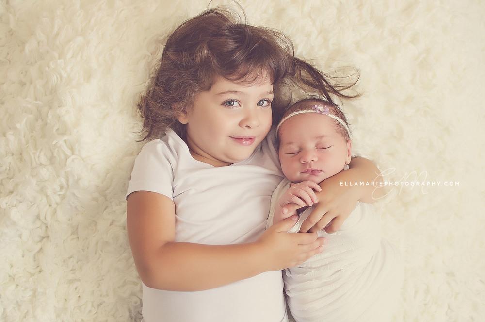 Nora_EllaMariePhotography_newborn_maternity_baby_infant_Baden_ON_New_Hamburg_Stratford_Waterloo_Kitchener_Guelph_Cambridge_Listowel_photographer_photography_02.jpg