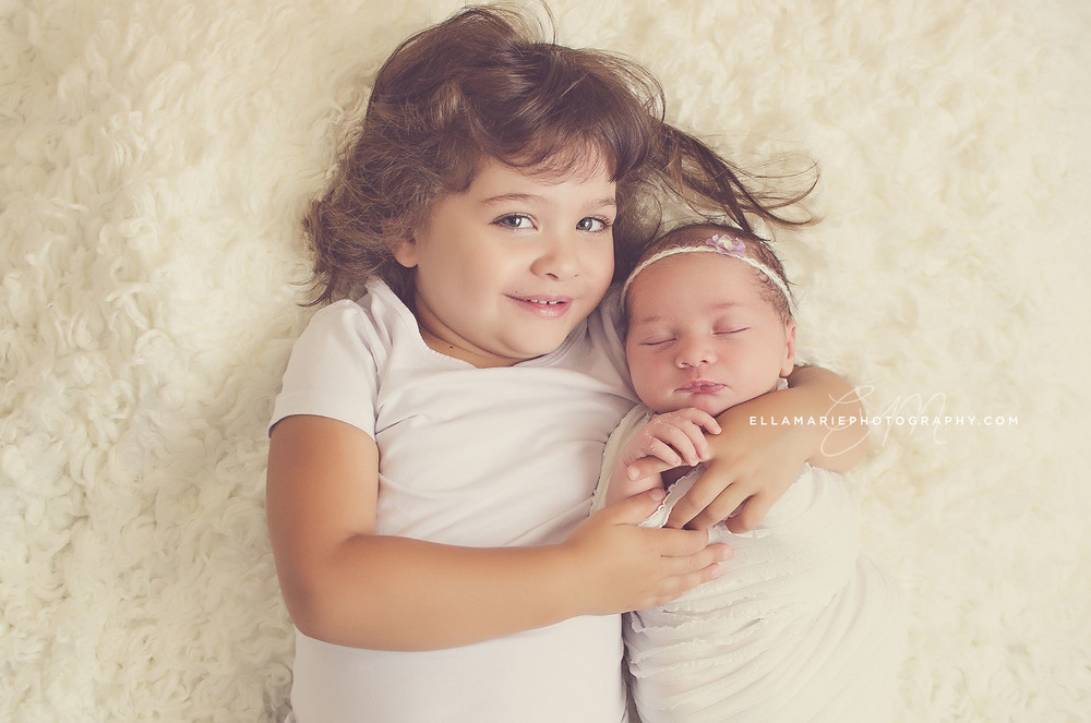 Nora_EllaMariePhotography_newborn_maternity_baby_infant_Baden_ON_New_Hamburg_Stratford_Waterloo_Kitchener_Guelph_Cambridge_Listowel_photographer_photography_04.jpg
