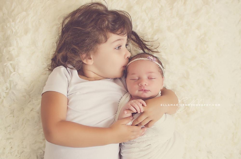 Nora_EllaMariePhotography_newborn_maternity_baby_infant_Baden_ON_New_Hamburg_Stratford_Waterloo_Kitchener_Guelph_Cambridge_Listowel_photographer_photography_05.jpg