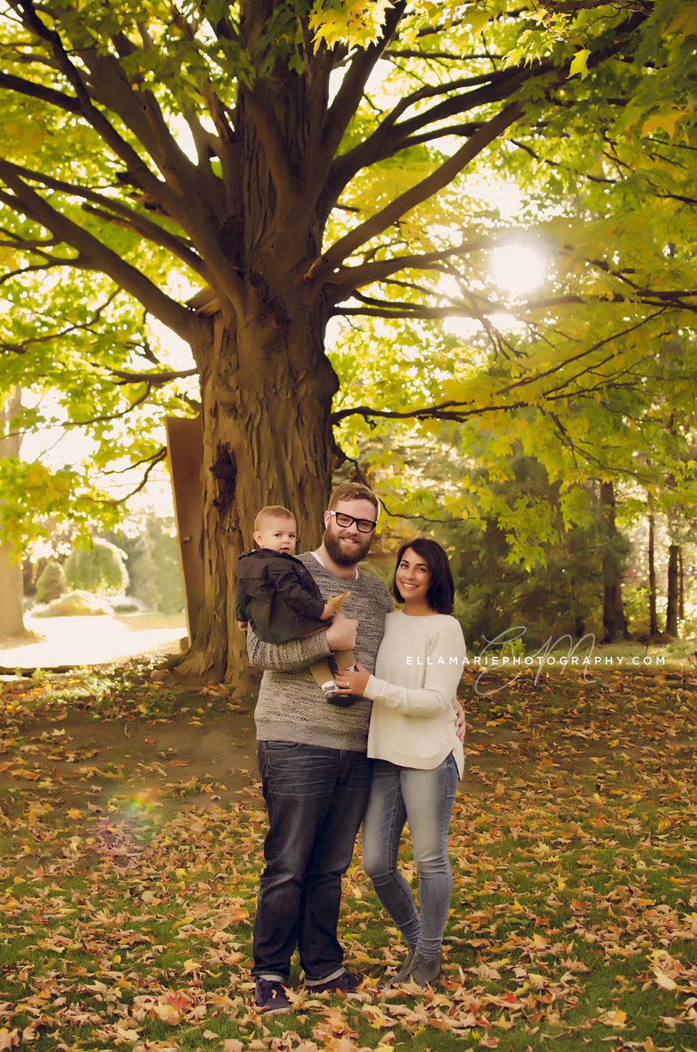 Erika_EllaMariePhotography_family_Baden_ON_New_Hamburg_Stratford_Waterloo_Kitchener_Guelph_Cambridge_Listowel_photographer_photography_01.jpg