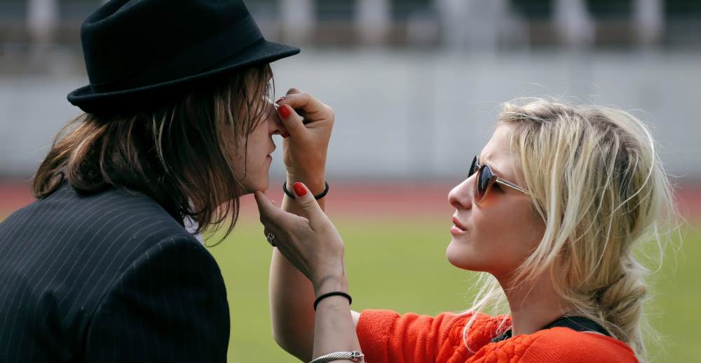 Nic Marder, Sänger der Band Gotthard wird geschminkt von Madleina von Reding Fotografiert von http://www.steineggerpix.com