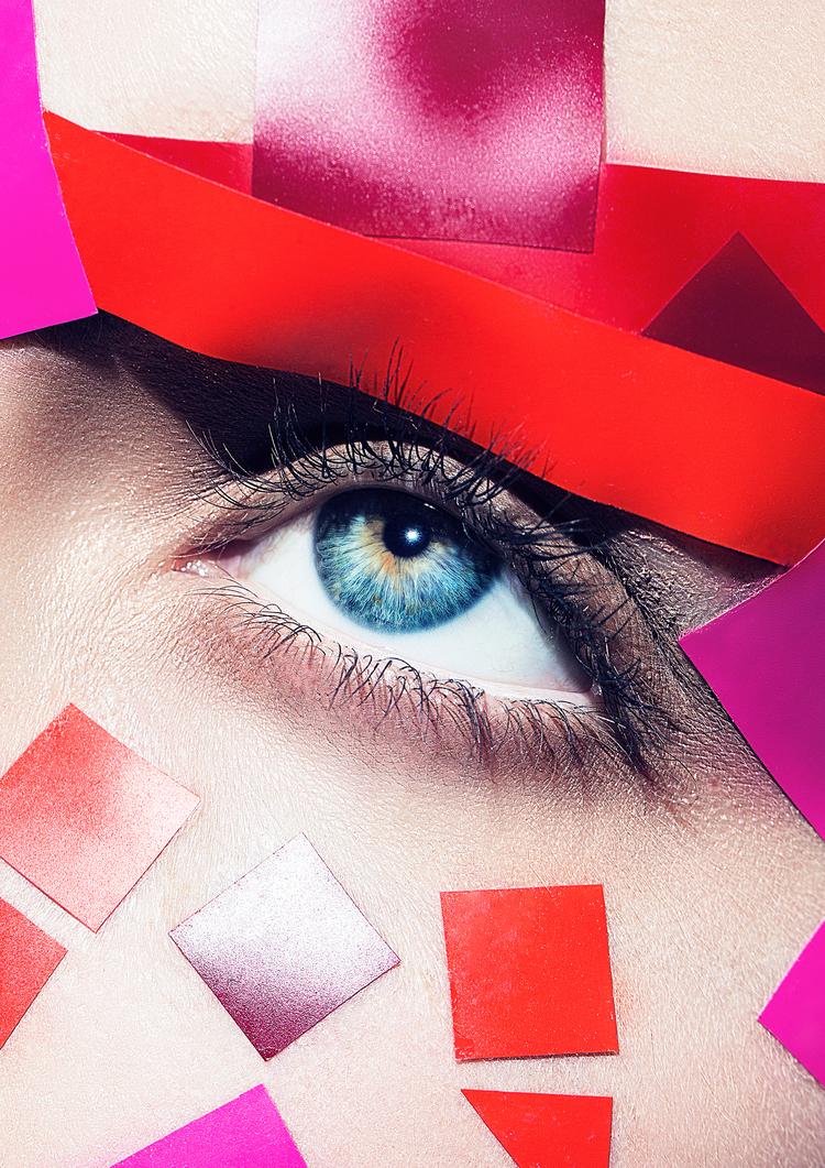 Makeup Artist Switzerland Zürich Madleina von Reding Beauty Editorial with red Lips Laurids Jensen Maskenbildner Keartive Beauty Makeup