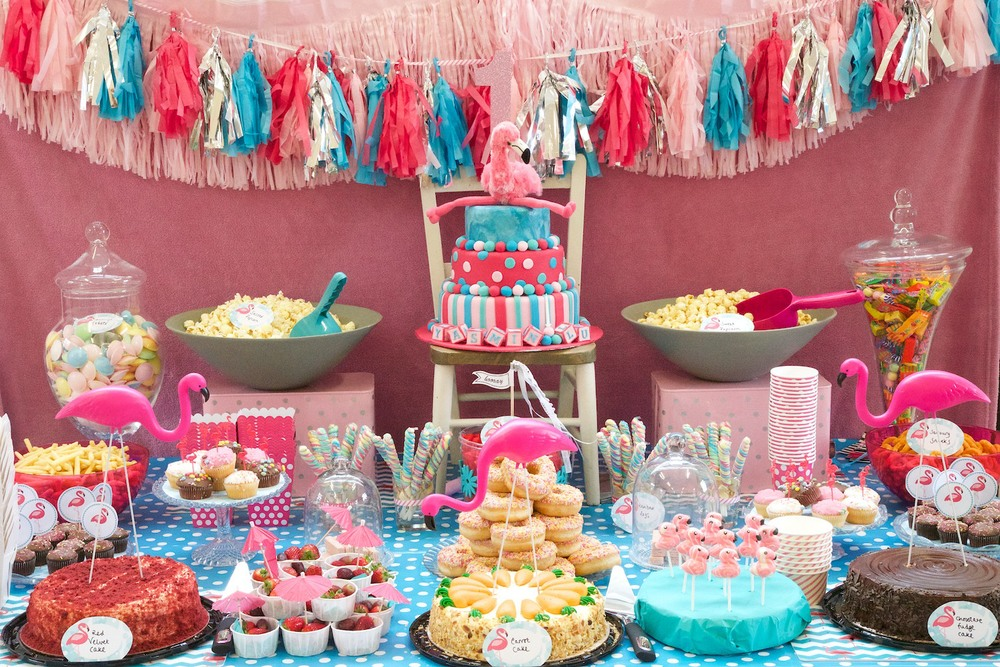 Flamingo Party Sweet Table