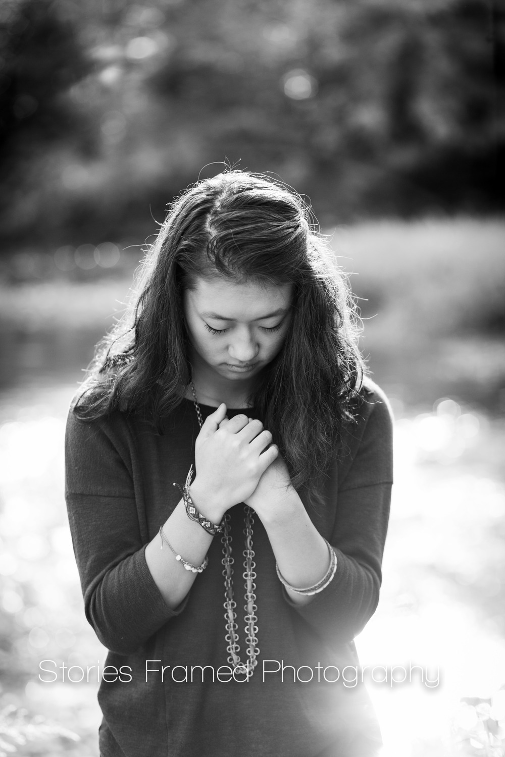 Stories Framed Photography | Senior | Class of 2015 | Elizabeth B&W