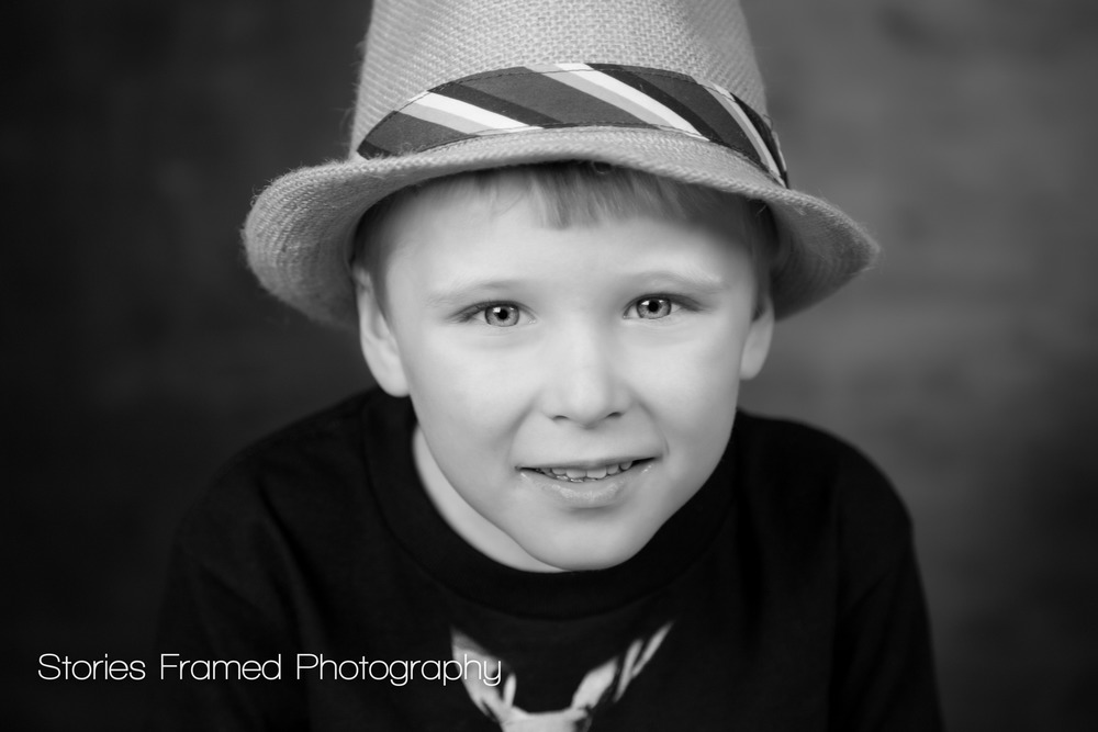 Stories Framed Photography | family session | little boy in a hat | BW