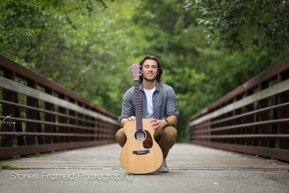 Wauwatosa-Senior-Photography-Tosa-West-Jacob-guitar