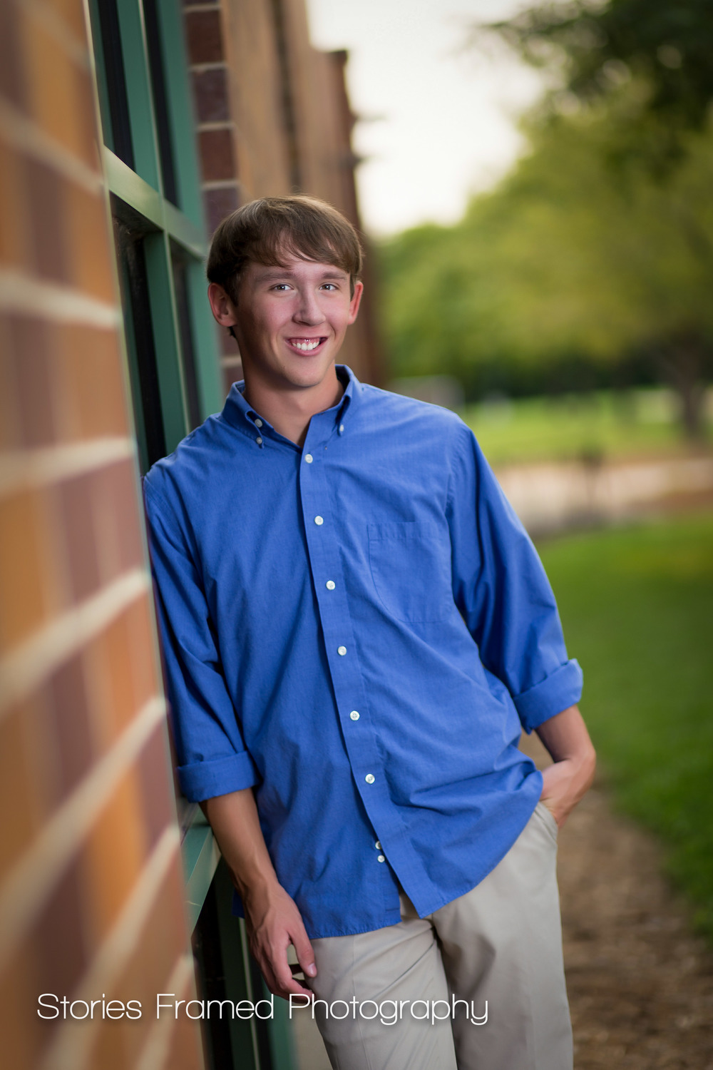 Waukesha-West-Senior-portrait-brick-wall