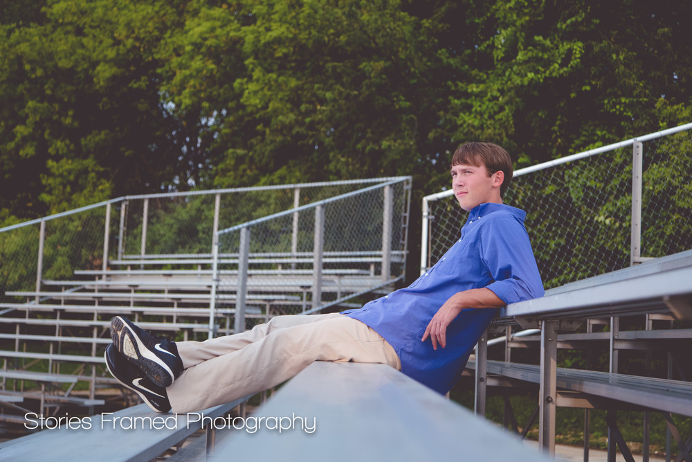 Waukesha-West-Senior-portrait-class-of-2016-bleachers