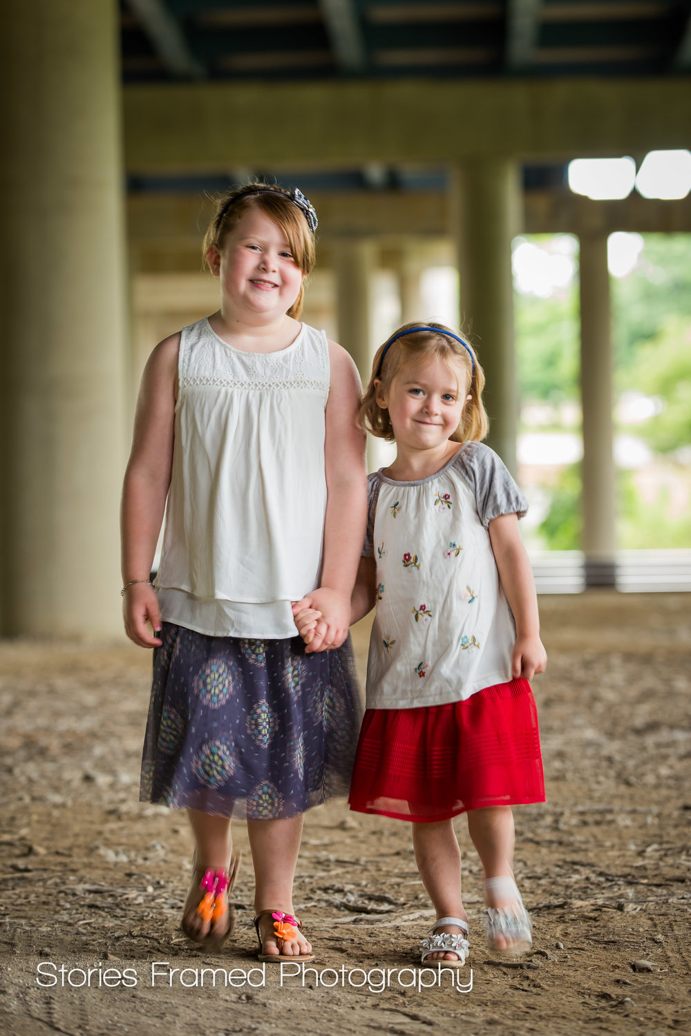 Wauwatosa Child Photography sisters holding hands