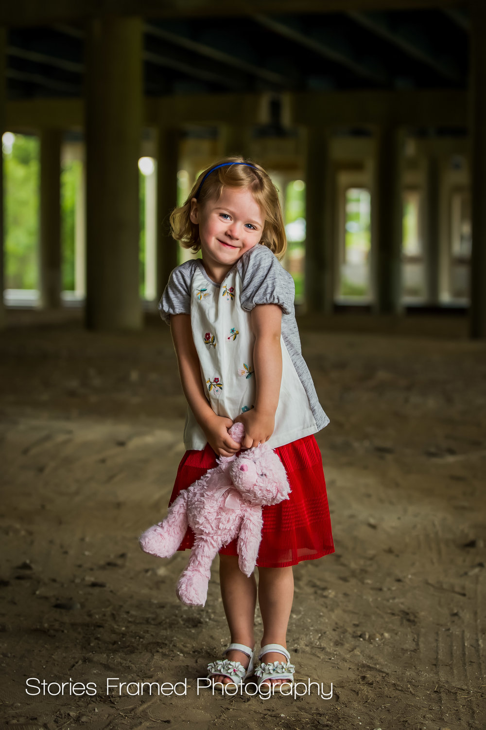 Wauwatosa Child Photography little girl and her teddy bear