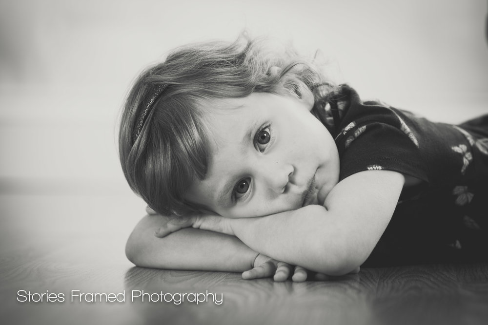 Milwaukee Family and Child portraits resting girl