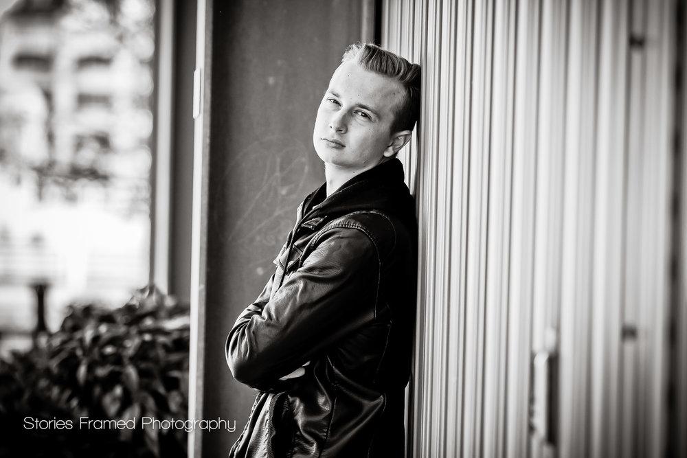 Senior-portraits-James-Dean-lookalike