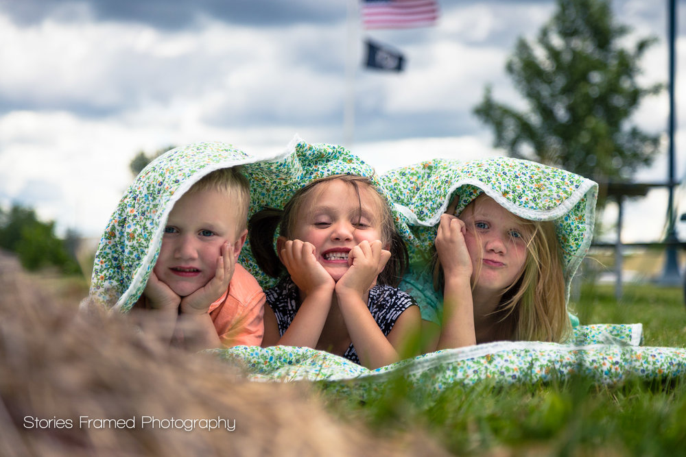 Sneak-Peek-Kids-in-a-Blanket-Muskego