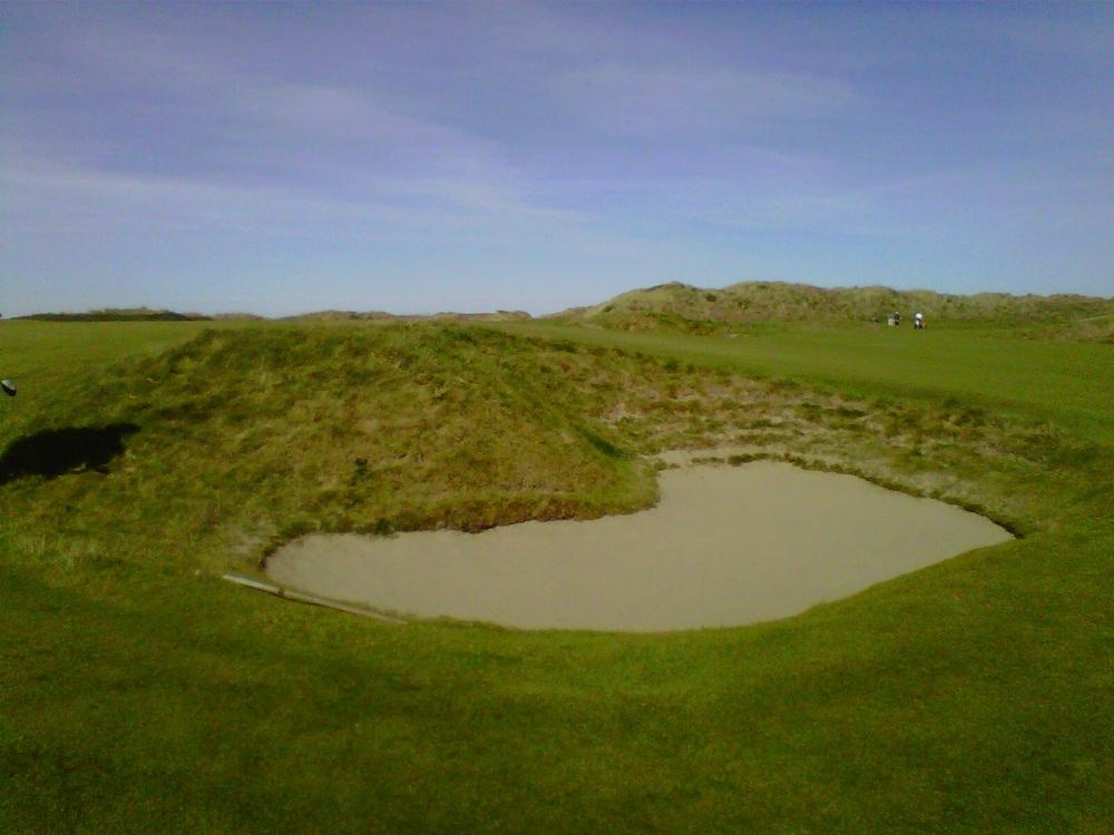 Bandon Dunes 14 bunker.JPG