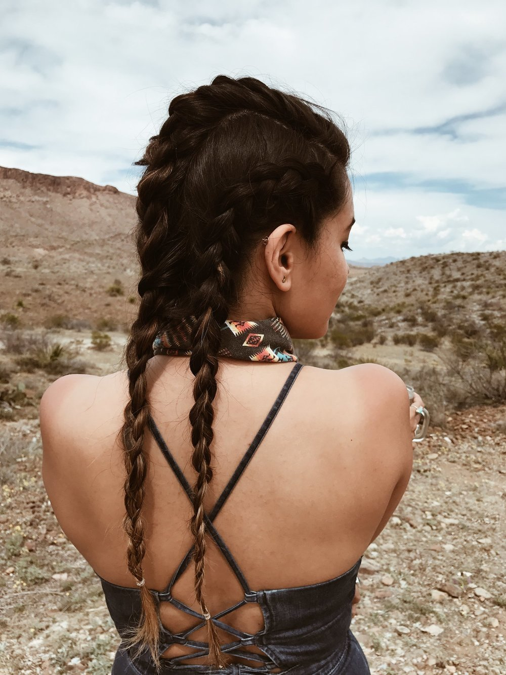 Iheartbueno_Buenosjourneywest-hair
