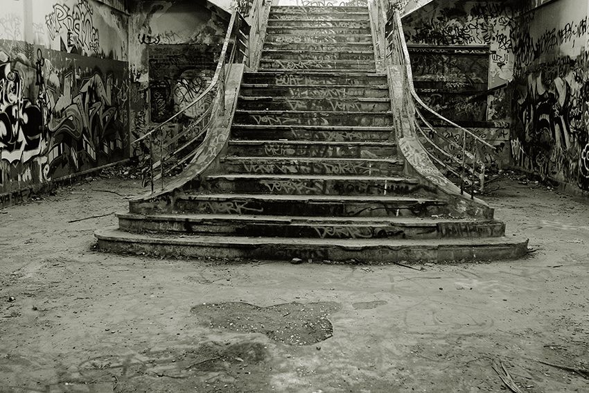 Stairs South fremantle power station.jpg