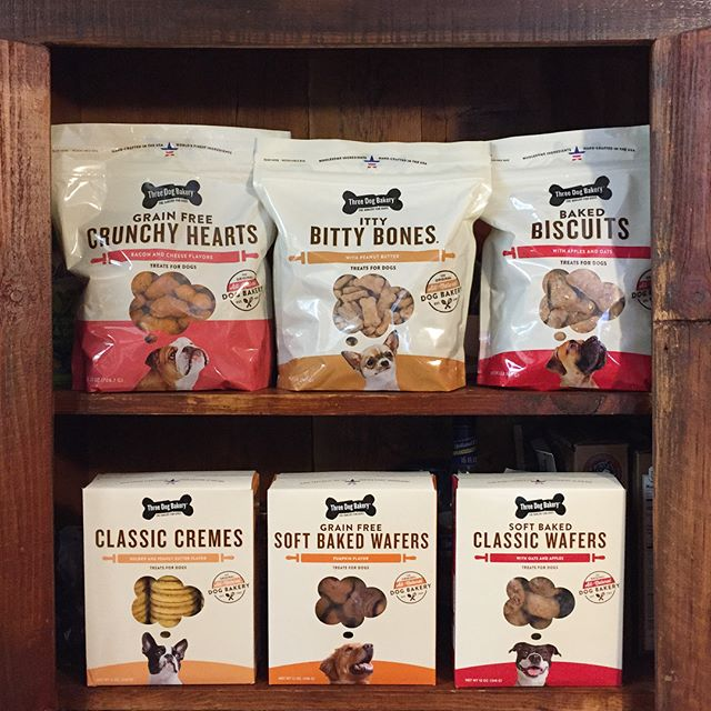 We recently overhauled the packaging design for Three Dog Bakery's dog treats capturing their small batch, premium, artisanal spirit as well as what's on a dog's mind all day, every day. 🐕 🍖 It's now in over 50 of their retail bakeries and pet specialty stores all around the U.S. Project case study coming soon to our website.  #packagedesign #packaging #deisgn #brand #dog #treats #bakery #thoughtbubble #creatingstuffforgoodpeople #haystackstudios #dogbakery #bakedgoods #graphicdesign #branding #graphics #woof #dogsofinstagram #mansbestfriend #unleashthelove #love #playful #artisanal #baked #handcrafted