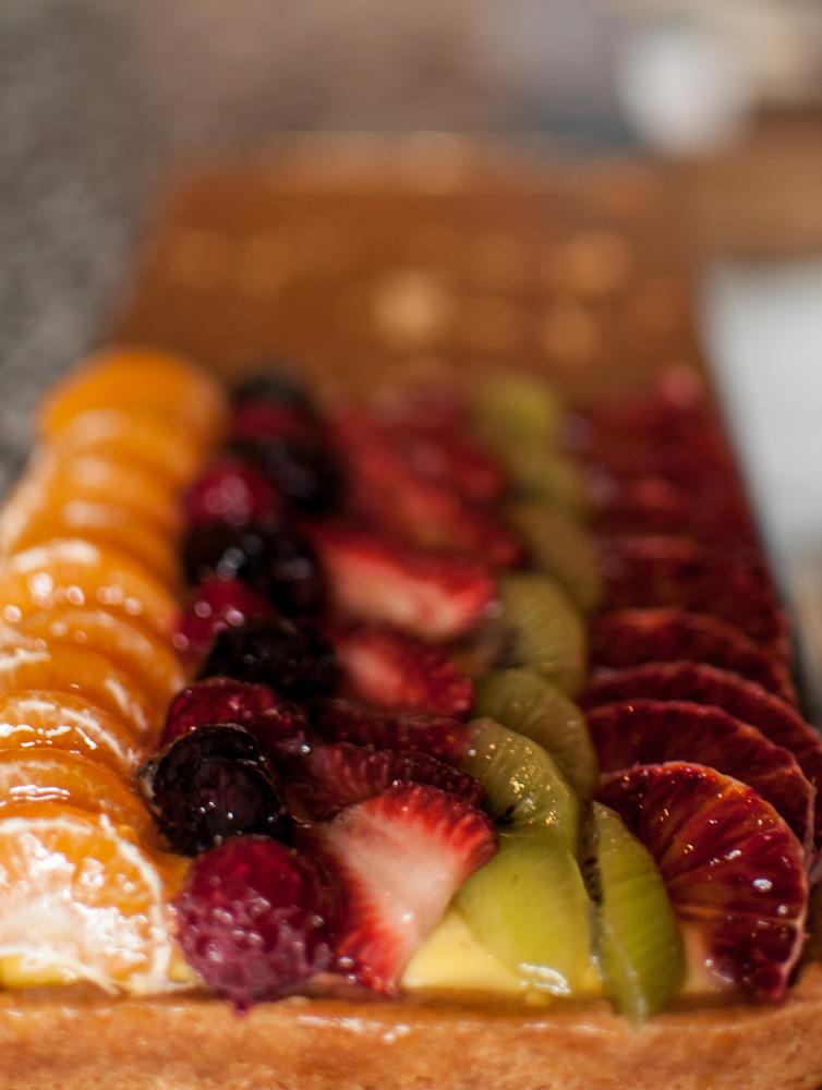 Frutta, pasta frolla e crema chantilly