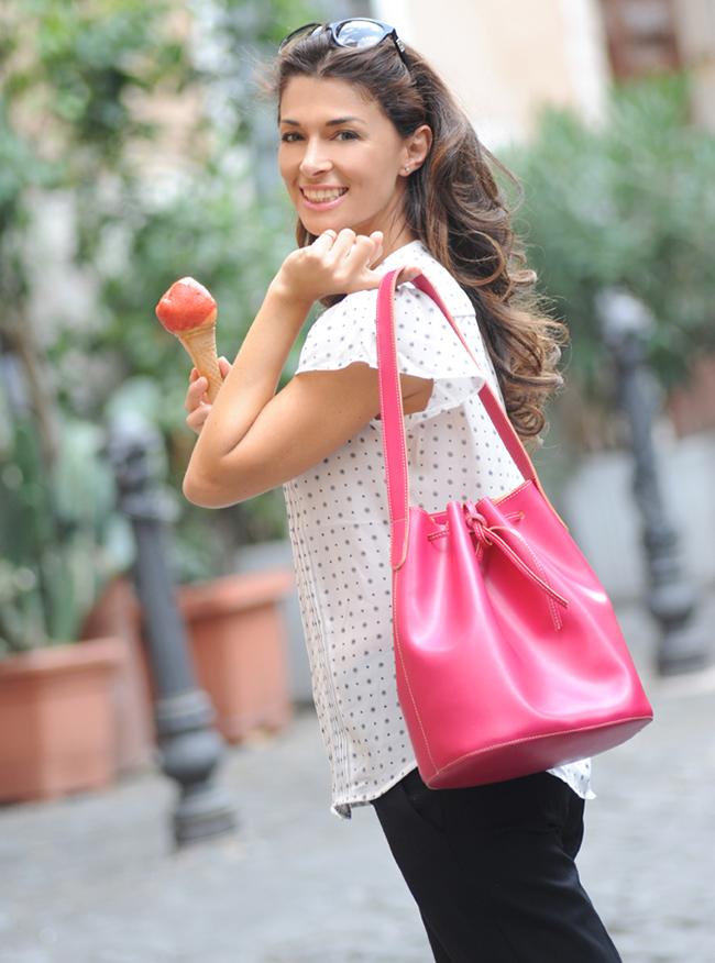 Alexandra de Curtis Pink Bucket