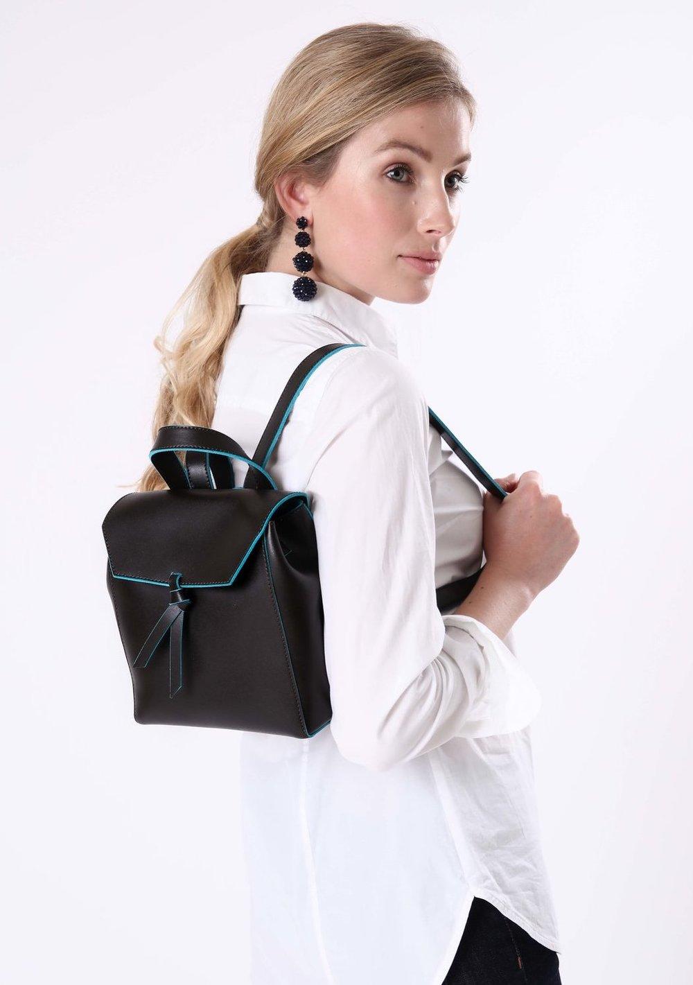 Alexandra+de+Curtis_Mini+Backpack+Brown+square.jpg