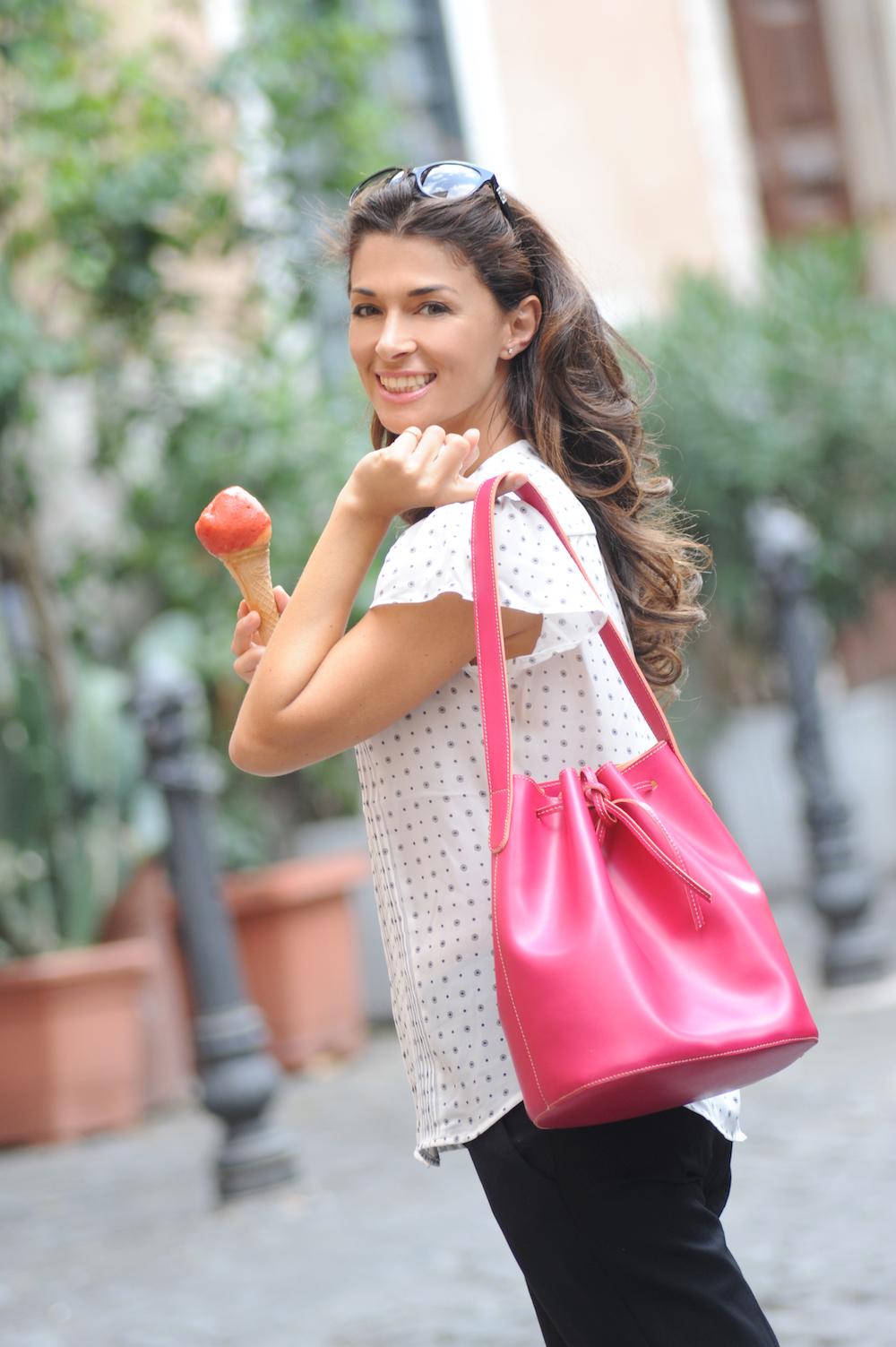 Alexandra de Curtis_Maxi Bucket Pink 001.jpg