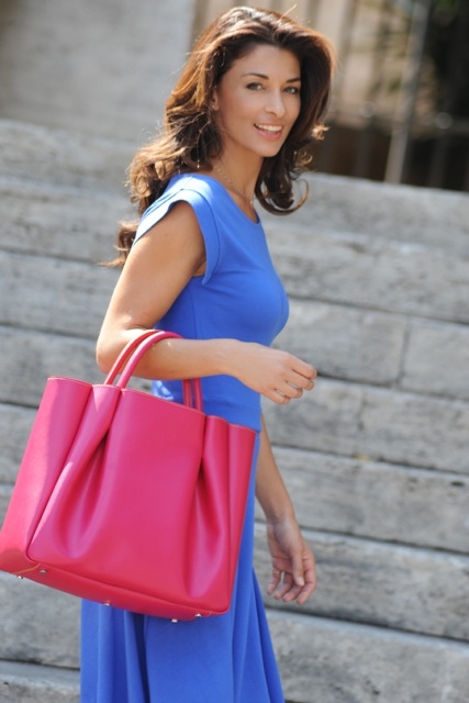 Ruched+Tote_pink+model.jpeg