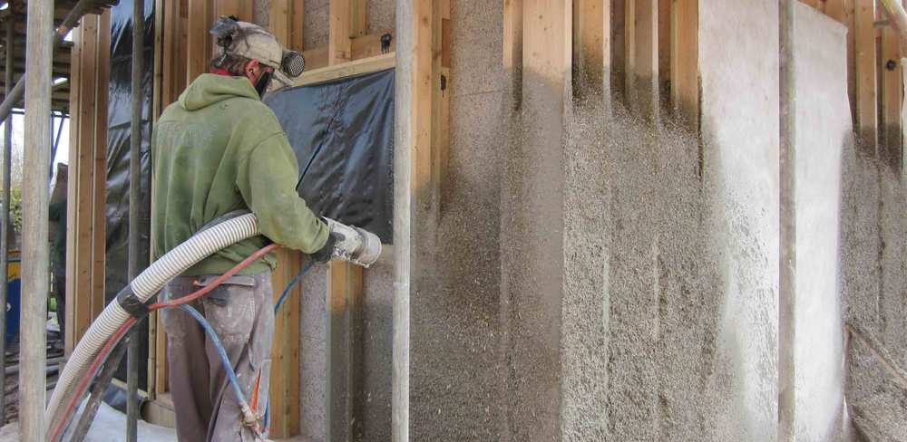 spaying-hemp-lime-into-building-structure