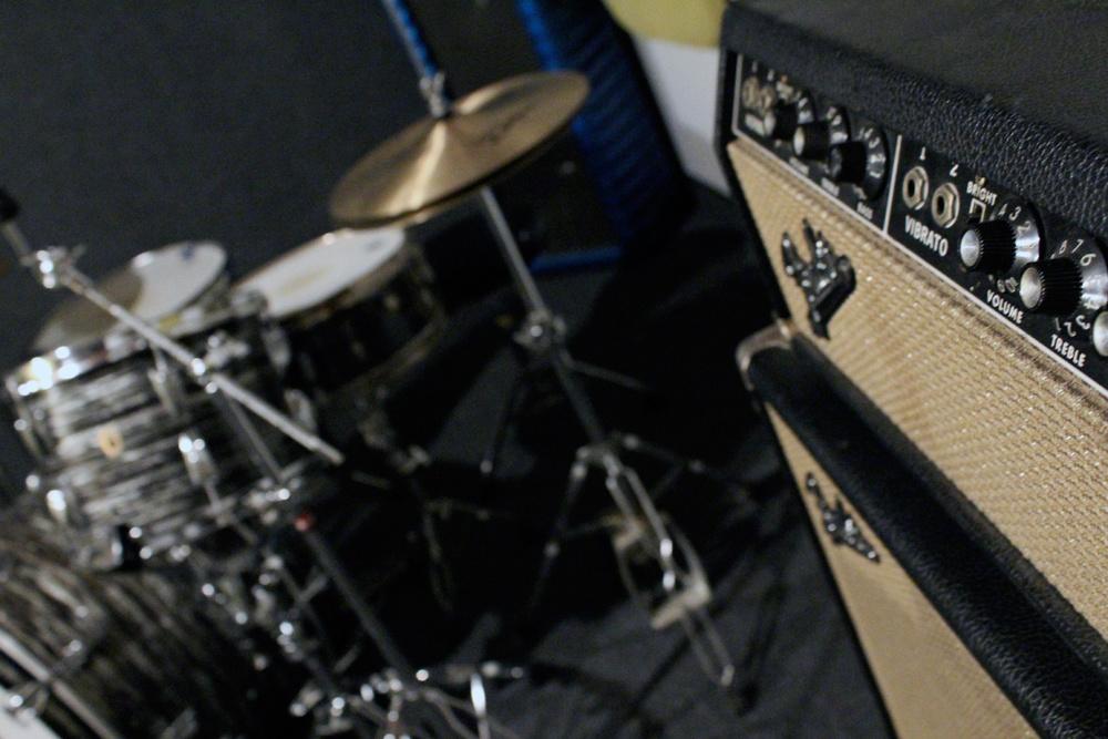 vintage_bandmaster_drums.jpg