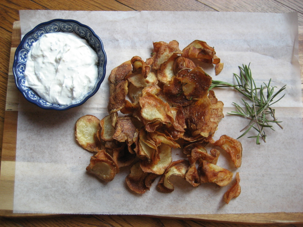 Rosemary Russet Potato Chips made in the Philips Airfryer.