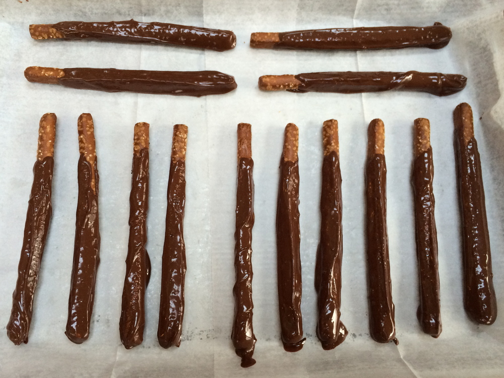 Chill dipped pretzels to set