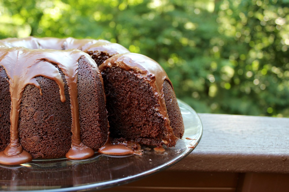 Chocolate Buttermilk Bundt Cake Slice @epicuricloud.com